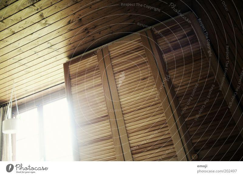 Zimmer Fenster Wärme Innenarchitektur Holz Raum Holzbrett Decke ländlich Holzwand Schrank Kleiderschrank