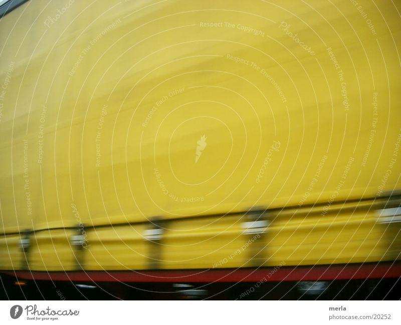 auf der überholspur Ferien & Urlaub & Reisen gelb Straße Bewegung Kraft Verkehr modern Geschwindigkeit Perspektive Wandel & Veränderung Güterverkehr & Logistik