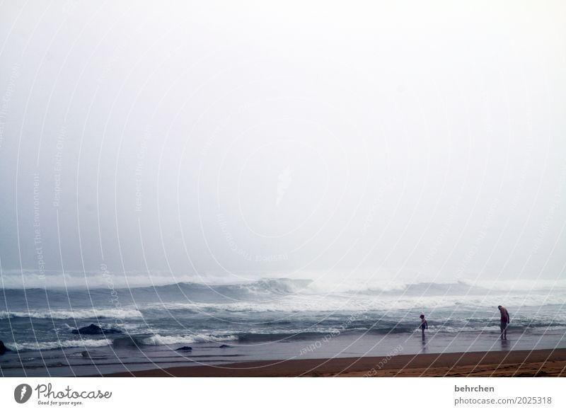 heiter bis wolkig Mensch Kind Himmel Natur Ferien & Urlaub & Reisen Mann Landschaft Meer Wolken Ferne Strand Erwachsene Küste Junge Familie & Verwandtschaft