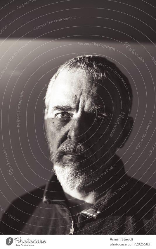 Porträt Mensch Mann alt schön weiß dunkel schwarz Gesicht Erwachsene Lifestyle Senior Gefühle Stil maskulin retro 45-60 Jahre
