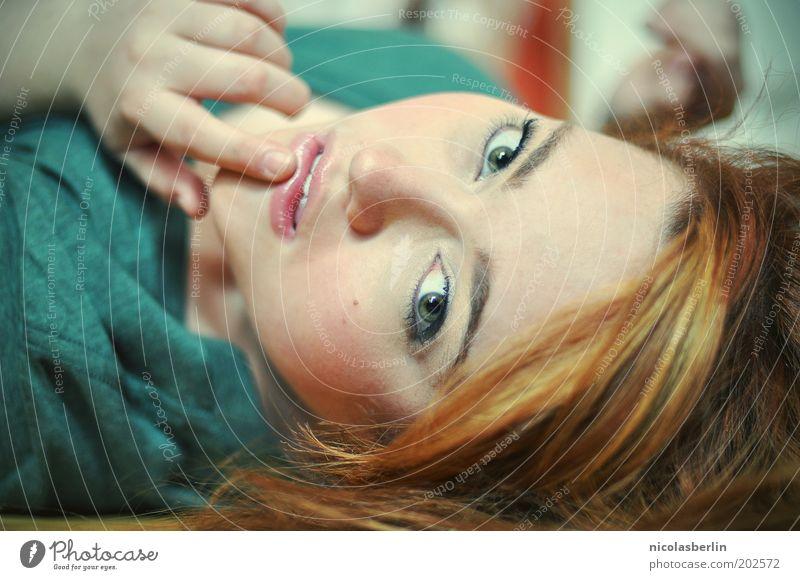 Dreams should last a long time schön Haare & Frisuren Haut Gesicht feminin Junge Frau Jugendliche 1 Mensch 18-30 Jahre Erwachsene rothaarig Gefühle selbstbewußt