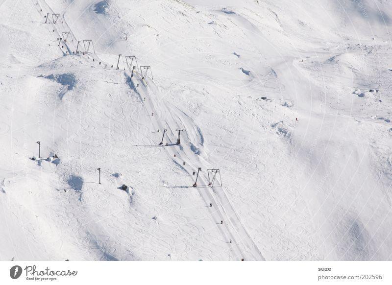 Skipiste Winterurlaub Wintersport Landschaft Urelemente Schönes Wetter Schnee Alpen Berge u. Gebirge einfach kalt weiß Schneespur Spuren Pulverschnee Schweiz