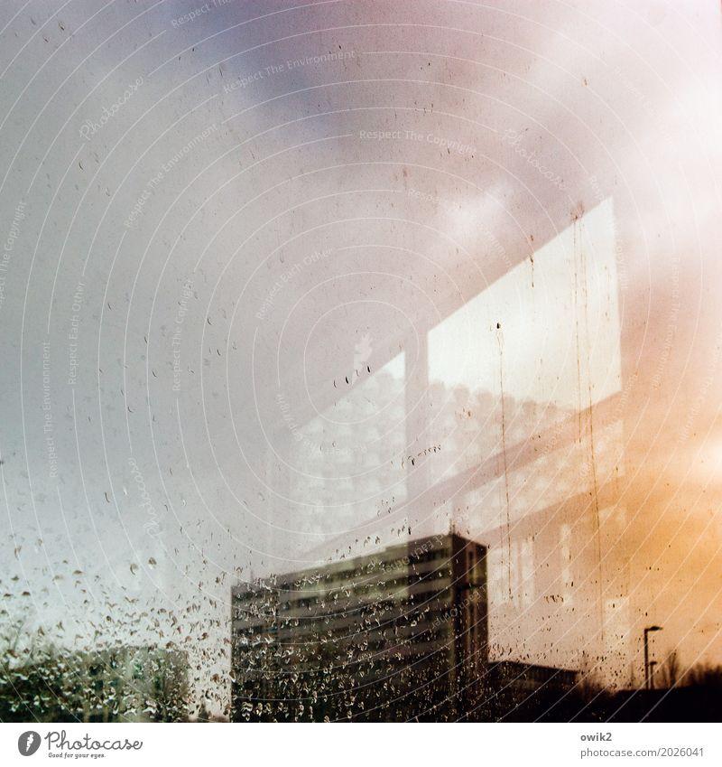 Städte klonen Wassertropfen Wolken schlechtes Wetter Regen Dresden Deutschland Plattenbau Stadtzentrum Skyline Haus Hochhaus Gebäude Mauer Wand Fenster