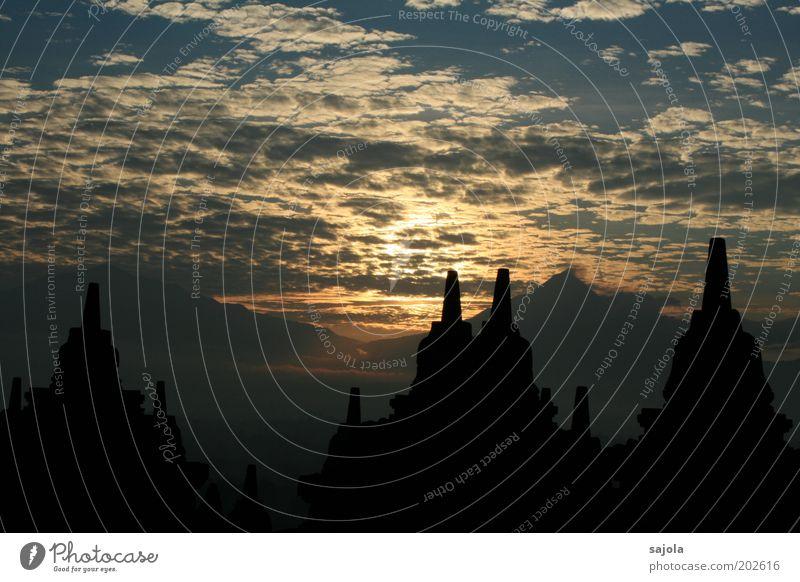 borobudur II Sonne blau Ferien & Urlaub & Reisen schwarz Wolken Berge u. Gebirge Gebäude Religion & Glaube Architektur ästhetisch Tourismus Asien leuchten