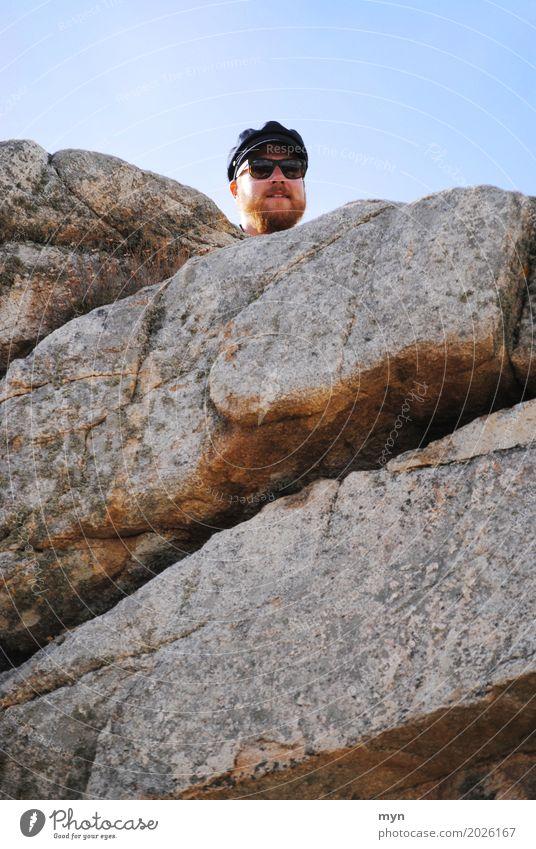 Ahoi Mensch maskulin Mann Erwachsene Bart 1 18-30 Jahre Jugendliche 30-45 Jahre Landschaft Felsen Berge u. Gebirge Schlucht Küste Schifffahrt Hut Mütze
