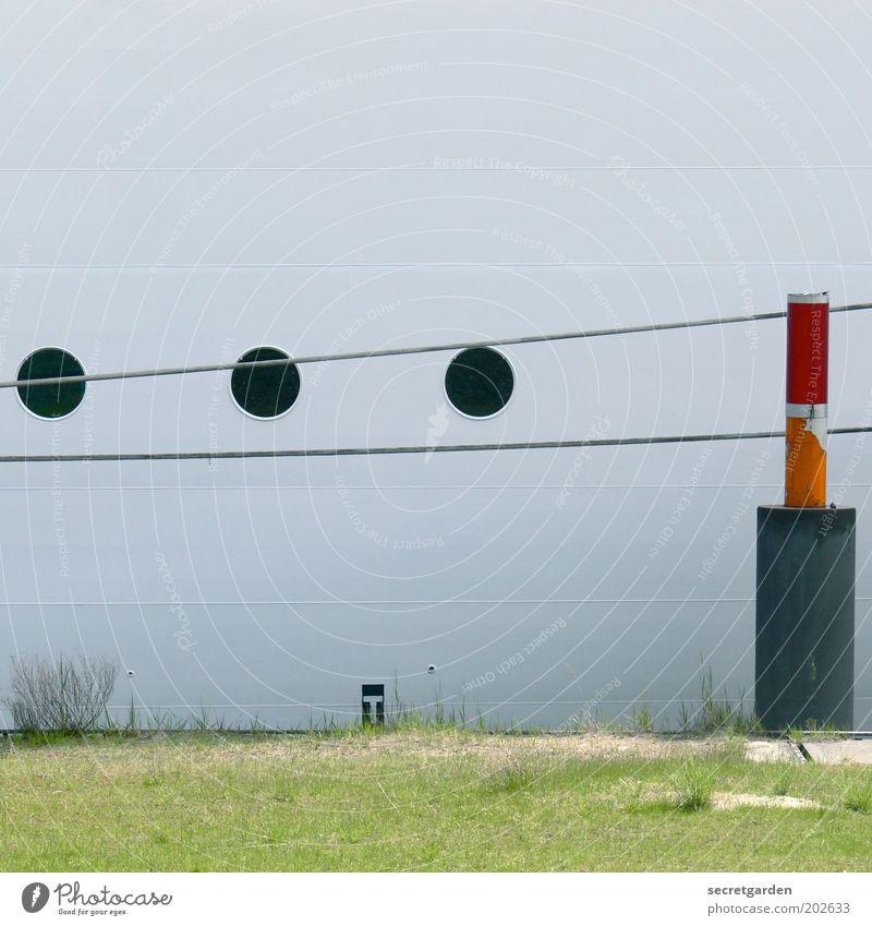 ein pin und drei kurze bitte! weiß grün rot Fenster Gras Linie Seil Schutz Hafen Mobilität Anlegestelle Schifffahrt Jacht Kreuzfahrt ankern Ferien & Urlaub & Reisen