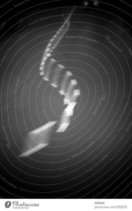 Ideallinie Verkehr Verkehrswege Autofahren Verkehrsunfall Straße Wege & Pfade Autobahn Alkoholisiert Spaziergang Kurve bedrohlich Schwarzweißfoto Außenaufnahme