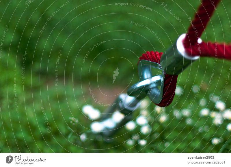 roter Faden grün rot Sommer Wiese Metall Park Freizeit & Hobby Sicherheit Metallwaren fest silber Schraube Befestigung Ballsport Unschärfe Sportstätten