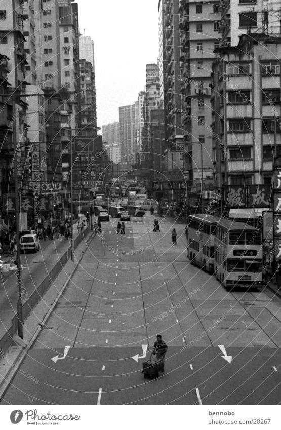 Mong Kok Stadt weiß schwarz Straße Wege & Pfade Verkehr Asien China Autofahren Hauptstadt Fußgänger Straßenkreuzung Hafenstadt Hongkong Mittag bevölkert