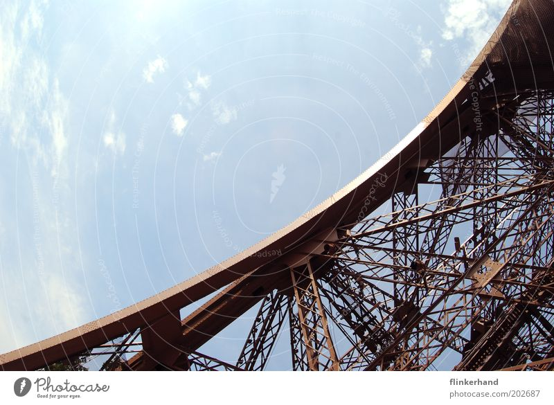 La Tour Eiffel a froid aux pieds... blau Ferien & Urlaub & Reisen Freiheit Glück Turm Lebensfreude Paris Bauwerk Frühlingsgefühle Tour d'Eiffel