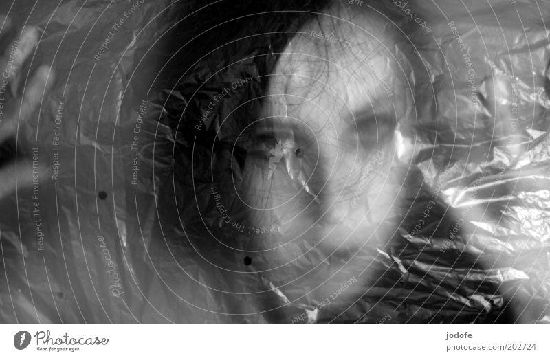Geist Frau Mensch Hand Jugendliche Gesicht feminin Angst Erwachsene gefährlich Statue Kunststoff Verzweiflung gefangen Entsetzen Schrecken Plastiktüte