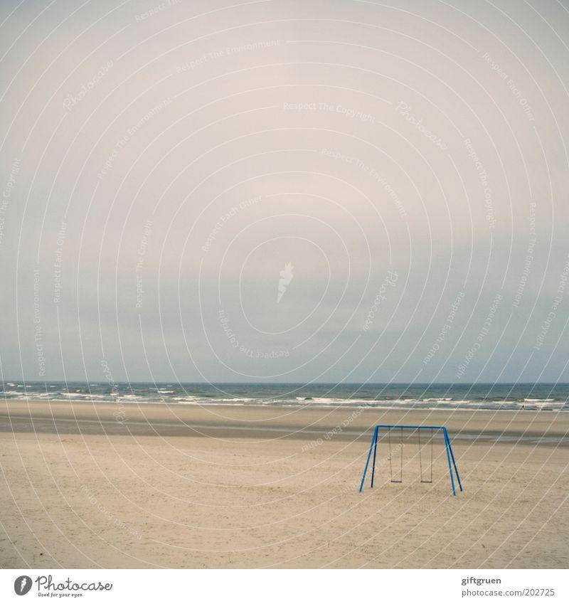babypause Ferien & Urlaub & Reisen Tourismus Ausflug Natur Landschaft Sand Wasser Himmel Wolken schlechtes Wetter Küste Strand Nordsee Meer Spielzeug Einsamkeit