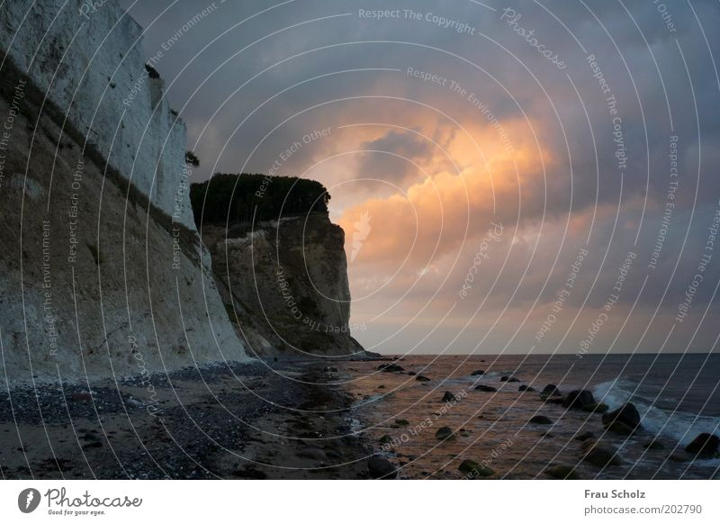 Ring of Fire Wasser Wolken Küste Strand Meer dunkel frei Kraft Natur Stein Kreideküste Mon Dänemark Wolkenformation Menschenleer Abend Dämmerung Licht