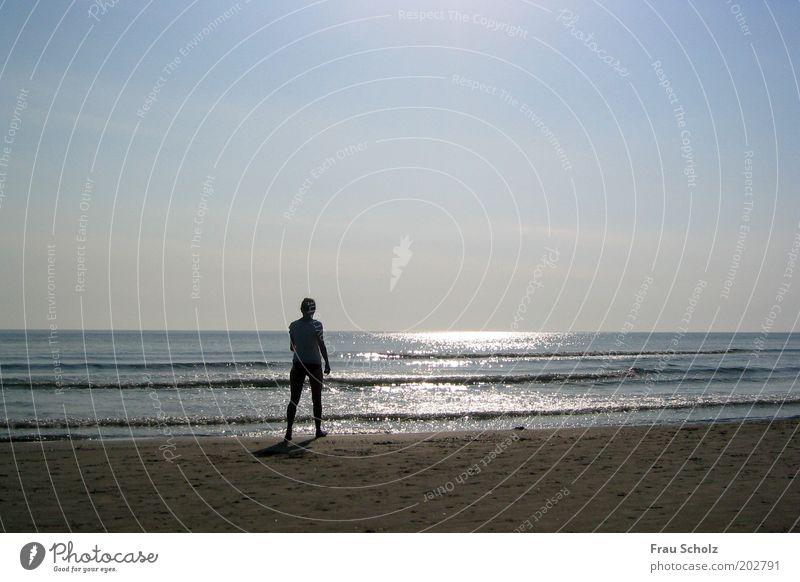 Guten Morgen Meer Mensch Wasser Ferien & Urlaub & Reisen Sommer Strand Einsamkeit ruhig Erholung Leben Wärme Küste Wellen Unendlichkeit Schönes Wetter
