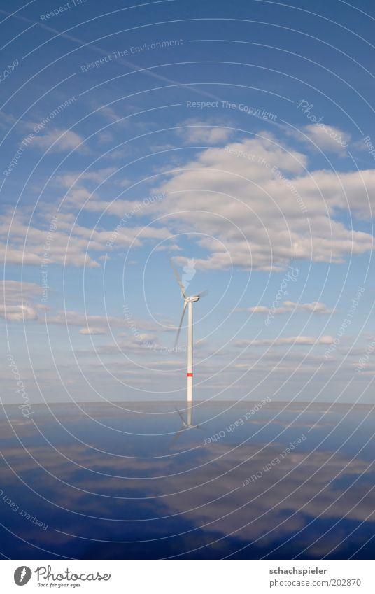 Windrad Windrad Technik & Technologie Energiewirtschaft Erneuerbare Energie Windkraftanlage Energiekrise Umwelt Luft Himmel Wolken Klima Klimawandel blau