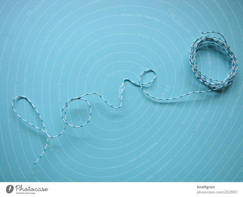 Ganz schön verwickelt... Draht Klingeldraht Schriftzeichen Kommunizieren blau weiß Gefühle Liebe Verliebtheit gestreift Farbfoto Studioaufnahme Nahaufnahme