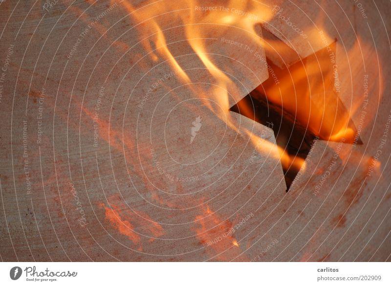 Kohoutek Feuer leuchten heiß Stern Komet Volksglaube Desaster brennen rot orange braun Farbfoto Gedeckte Farben Experiment Textfreiraum links Lichterscheinung