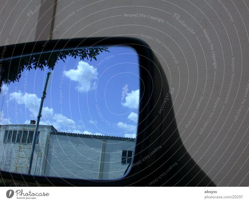 Bluesky_Reflection Wolken Licht Wand Spiegel Fototechnik blau Himmel reflektion PKW Sonne