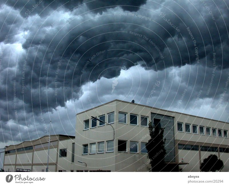 Weltuntergang II Natur Wolken dunkel Regen gefährlich bedrohlich Gewitter trüb dramatisch Donnern Gewitterwolken