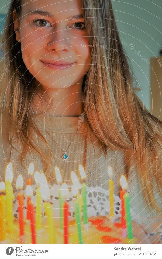 Happy Birthday Mensch Frau Jugendliche alt 18-30 Jahre Erwachsene feminin Familie & Verwandtschaft Party Feste & Feiern Freundschaft Ernährung Geburtstag