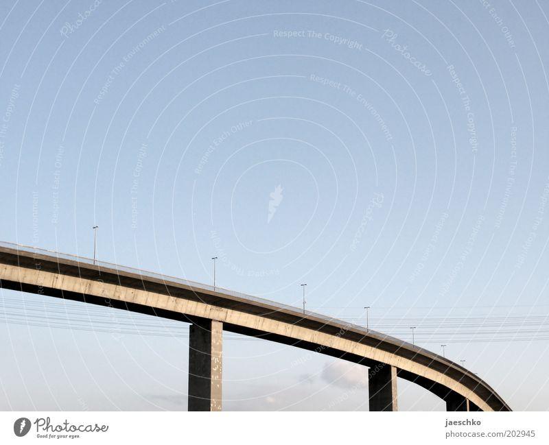 Schwebende Straßen Wege & Pfade Linie Beton Hamburg Brücke Verkehrswege Schönes Wetter Straßenbeleuchtung Hochspannungsleitung Elektrizität Wolkenloser Himmel