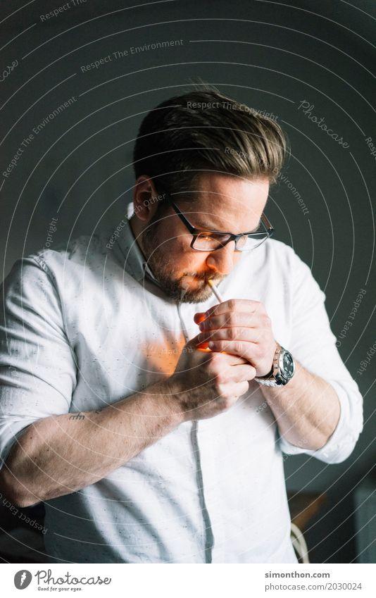 Smoke Mensch Erholung Gesundheit Tod Party Häusliches Leben Zufriedenheit maskulin genießen Energie Vergänglichkeit Pause Risiko Wut Rauchen Stress
