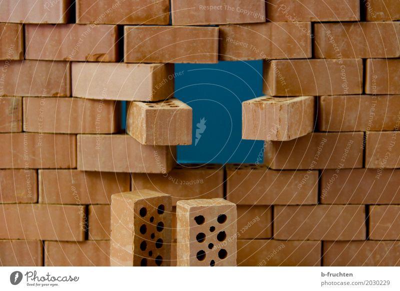 loch haus fenster wand ein lizenzfreies stock foto von photocase. Black Bedroom Furniture Sets. Home Design Ideas
