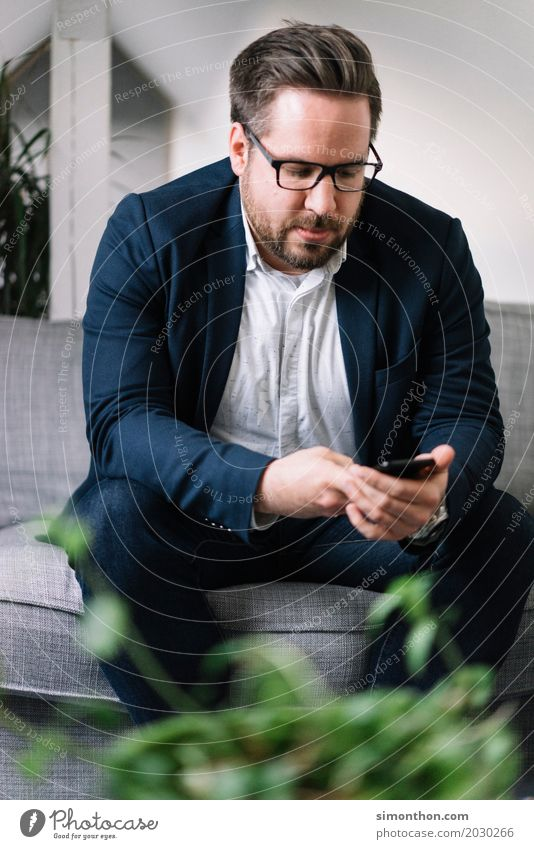 Mobile Mensch Ferien & Urlaub & Reisen ruhig Lifestyle Innenarchitektur Stil Zeit Arbeit & Erwerbstätigkeit Wohnung Häusliches Leben Zufriedenheit maskulin