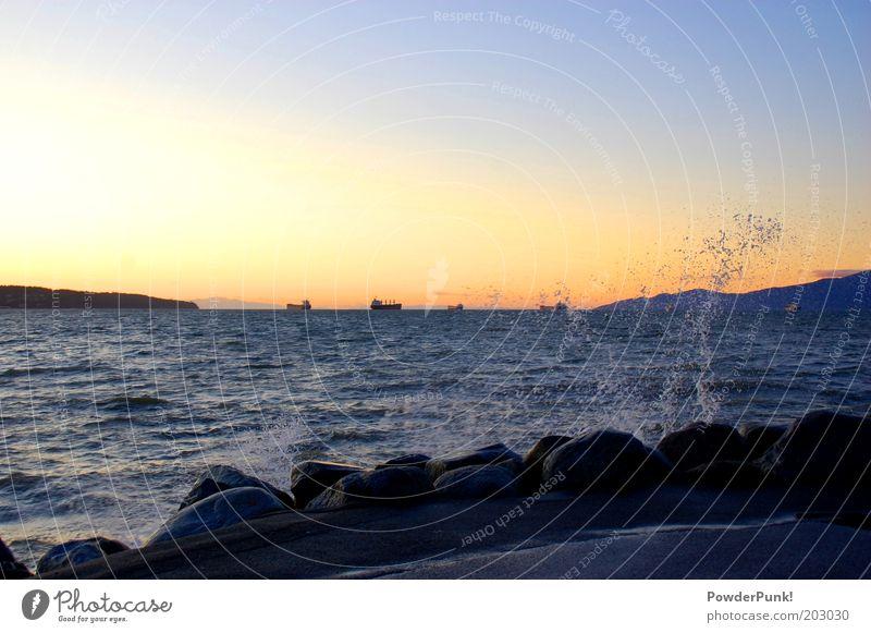 SpLAsH'nWeT Natur Wasser Sommer ruhig Ferne Landschaft Küste Wellen Umwelt Wassertropfen Horizont Verkehr Hafen leuchten Kanada Schifffahrt