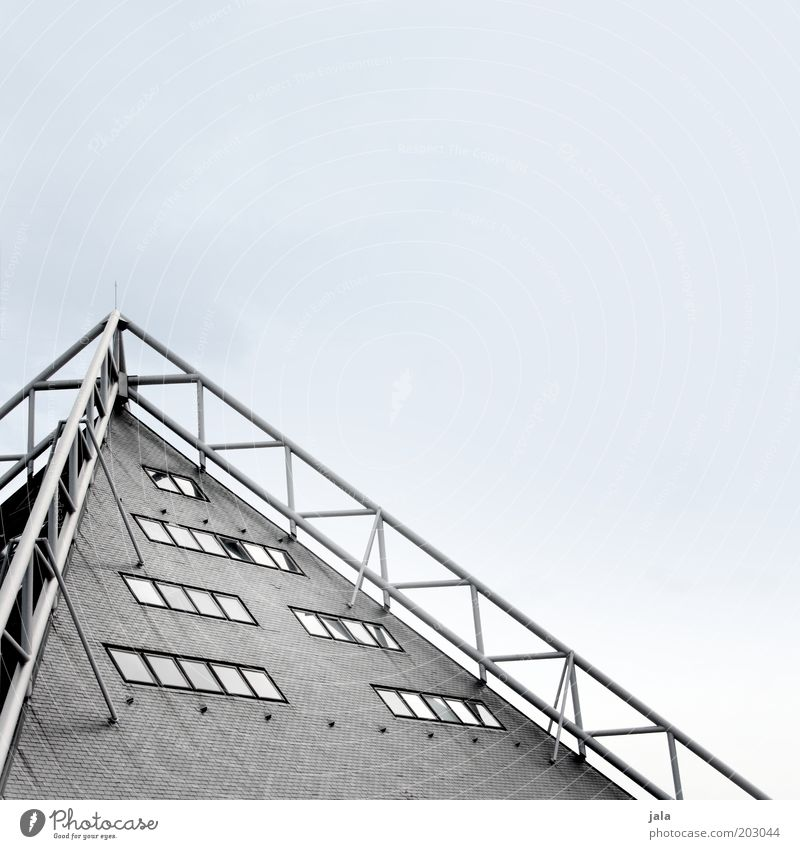 Spitzenaussicht Himmel Haus Fenster grau Gebäude Architektur Fassade ästhetisch Dach Bauwerk Stahlkonstruktion Moderne Architektur