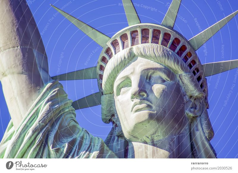 Detail des Freiheitsstatuen in New York Himmel Ferien & Urlaub & Reisen Stadt weiß Landschaft Wolken schwarz Gesicht Architektur Tourismus Ausflug Hochhaus