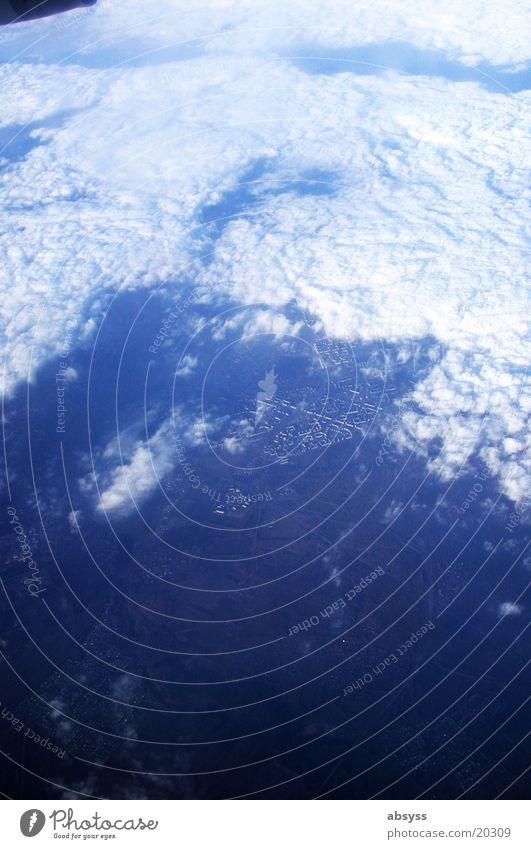 blauer Planet Himmel weiß Ferien & Urlaub & Reisen Wolken oben Flugzeug fliegen Erde Luftverkehr Fluss Russland Newa