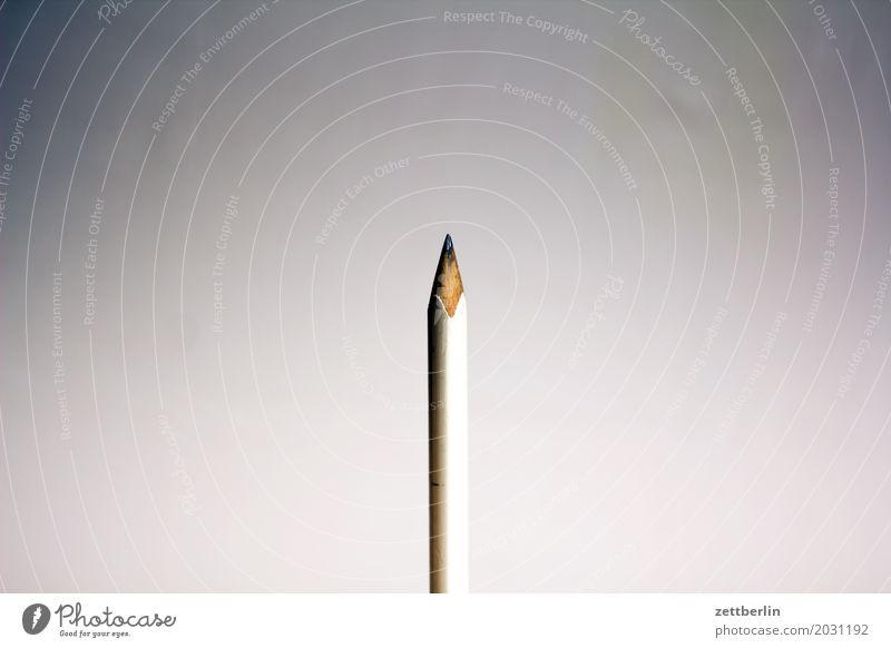 Zimmermannsstift Bleistift Menschenleer Zettel schreiben Schreibgerät Schreibstift Textfreiraum Unterschrift Zimmerer Spitze angespitzt weiß Graphit