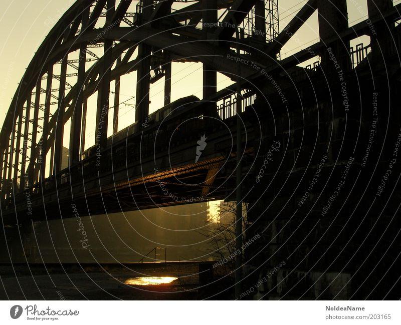 Reflektion Städtereise Brücke Schienenverkehr Eisenbahn Ferien & Urlaub & Reisen gold schwarz Frankfurt am Main Silhouette Farbfoto Außenaufnahme Dämmerung
