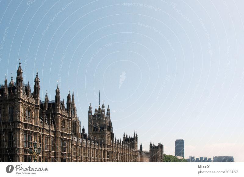 London Himmel Ferien & Urlaub & Reisen Haus Gebäude Architektur Fassade Turm Burg oder Schloss Denkmal Bauwerk England Wahrzeichen Stadtzentrum Schönes Wetter