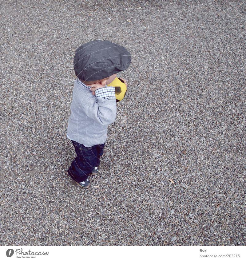 schweizer lionel Mensch Kind Spielen Junge Kindheit Freizeit & Hobby maskulin stehen Bekleidung Ball Hut Kleinkind Mütze Pullover Fan Ballsport