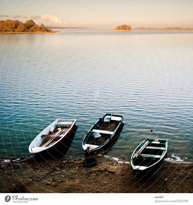 Hafen Umwelt Natur Landschaft Wasser Wolkenloser Himmel Horizont Seeufer Insel Ruderboot leuchten liegen ruhig Erholung Idylle Ferne Zufriedenheit friedlich 3