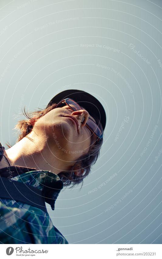 Kleinkindperspektive Mensch Mann Jugendliche Haare & Frisuren Kopf Erwachsene maskulin Brille Hemd Mütze aufwärts langhaarig Porträt Erscheinung aufstrebend