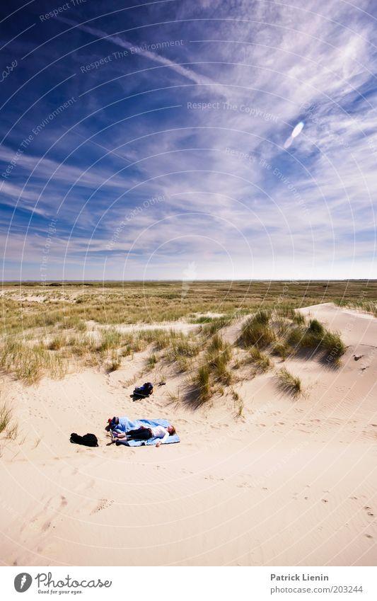 what a beautiful spot Mensch maskulin Leben 1 Umwelt Natur Landschaft Sand Horizont Sonne Sommer Schönes Wetter Strand Insel Spiekeroog schlafen ruhen Düne blau
