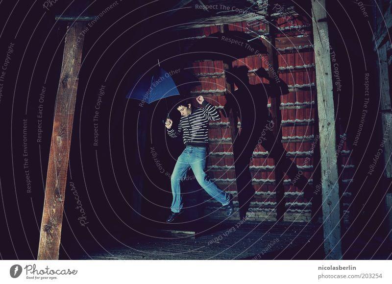 make no plans tomorrow Mensch Jugendliche Haus Leben dunkel Wand springen Holz träumen Mauer Luft Kunst Wind maskulin Bekleidung Regenschirm