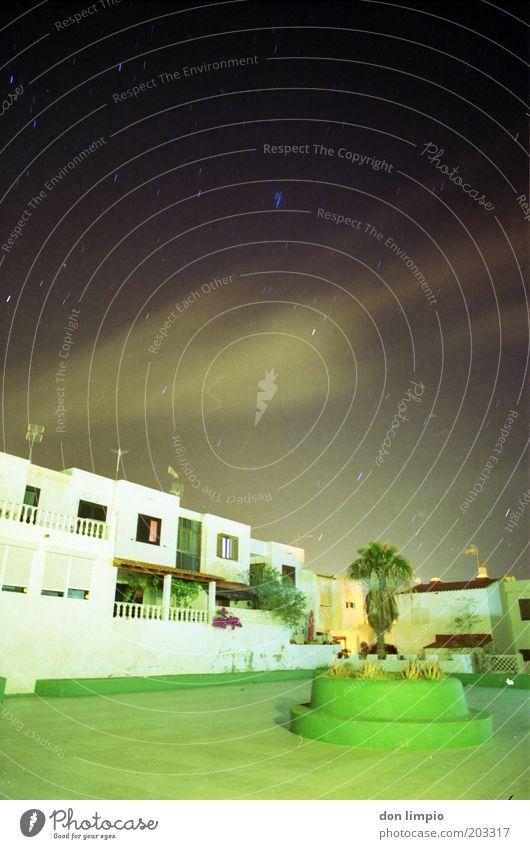 Buenas noches 2 Haus Garten Himmel Wolken Nachthimmel Sommer Insel Fuerteventura Morro Jable Fischerdorf Einfamilienhaus Traumhaus Platz Reihenhaus beobachten