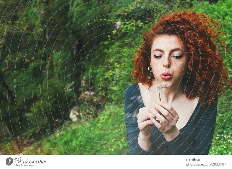 Wünsche dir etwas Mensch Natur Jugendliche Pflanze Junge Frau Sommer Landschaft Blume Wald 18-30 Jahre Gesicht Erwachsene Umwelt Leben Lifestyle Frühling