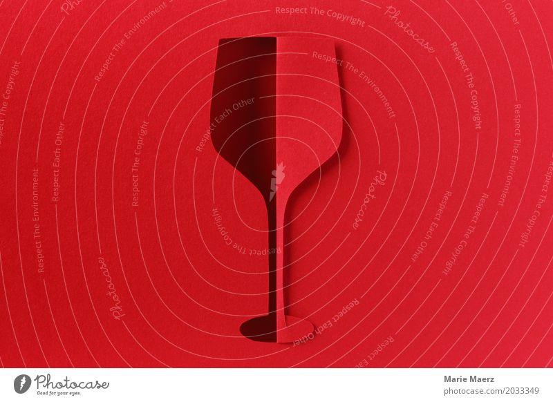 Ein Glas Rotwein, bitte. Getränk Wein Lifestyle Reichtum Restaurant Bar Cocktailbar trinken ästhetisch außergewöhnlich elegant Erotik Lebensfreude Erholung