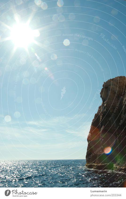 Sonnenanbeter Ferne Freiheit Sommer Meer Umwelt Wasser Himmel Wolkenloser Himmel Horizont Schönes Wetter Küste Bucht einfach gigantisch glänzend groß schön