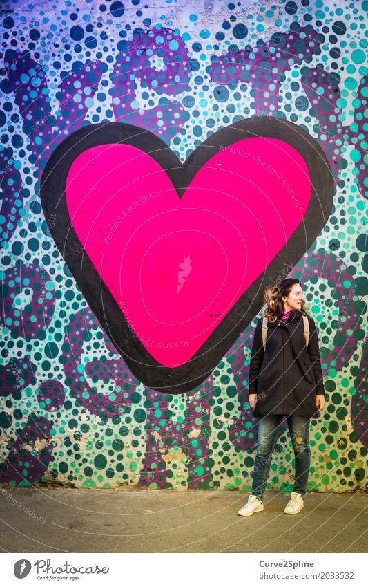 We need LOVE feminin Junge Frau Jugendliche Erwachsene 1 Mensch 30-45 Jahre rosa Gefühle Frühlingsgefühle Verliebtheit Hilfsbereitschaft Partnerschaft Farbe