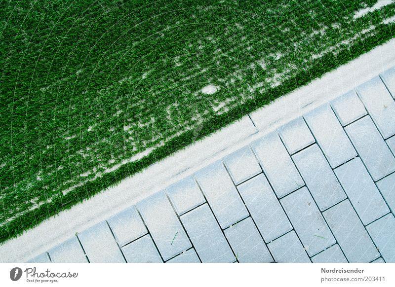 Kunstrasen trifft Beton Wege & Pfade Stein Sand ästhetisch neu Sauberkeit grün Ordnung Qualität Sportrasen Pflastersteine Fuge graphisch diagonal Farbfoto
