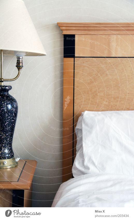 Hotel Ferien & Urlaub & Reisen Lampe leer Bett Tourismus Dekoration & Verzierung Häusliches Leben Reichtum Möbel Schlafzimmer Bettwäsche Hotelzimmer Tischlampe
