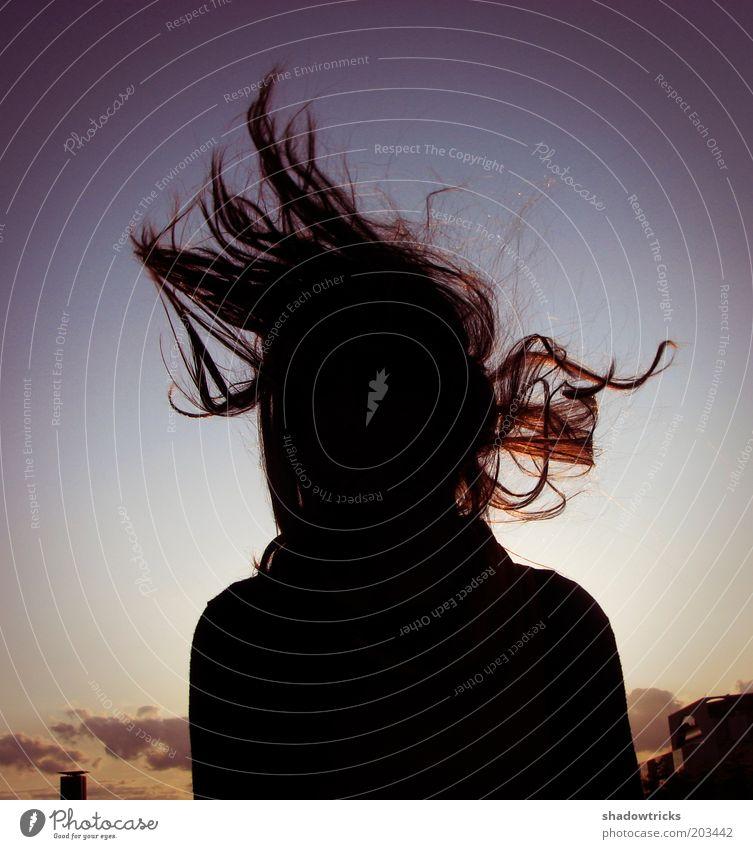 Headbangen zu Mozart Mensch feminin Frau Erwachsene Jugendliche Leben Haare & Frisuren 1 18-30 Jahre Tanzen Kultur Jugendkultur Fröhlichkeit frisch nah blau