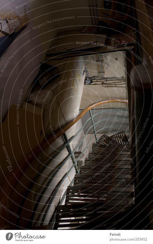 Out of the dark Gebäude Metall Architektur Beton Treppe Bauwerk Geländer abwärts Treppengeländer Low Key Richtung Metalltreppe