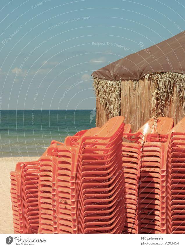 Die Saison beginnt Himmel Meer blau rot Sommer Strand Ferien & Urlaub & Reisen Küste Tourismus Stuhl Klima Hütte Ostsee Schönes Wetter Nordsee Stapel